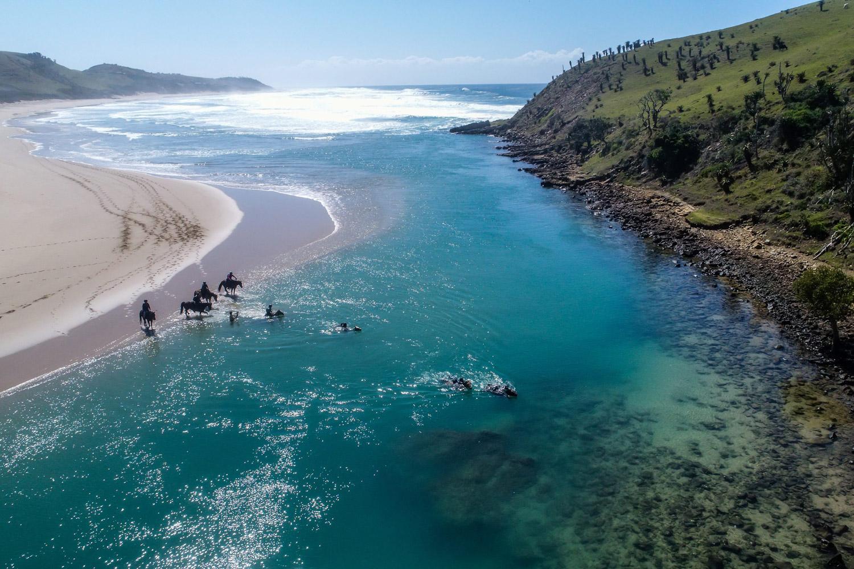 Départ Port Edward et arrivée Kei Mouth : un parcours inoubliable. © rocketHR2018