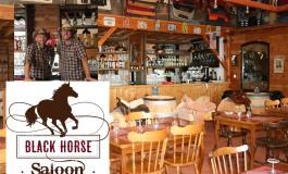 Le saloon du Pays des Pierres Dorées