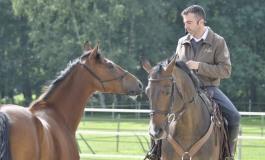 En mars, on apprend à éduquer le jeune cheval !