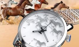 La montre de la communauté cheval…